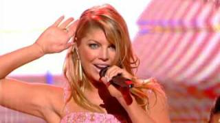 Fergie ft. Will.I.Am - Fergalicious ( Live @ NRJ Music Awards ) [HQ]