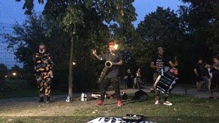 TOO MANY ZOOZ Pop Up Show Berlin Görlitzer Park Sept 3, 2016