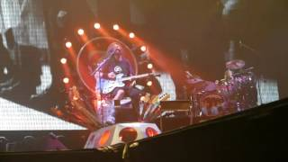 Foo Fighters - The pretender (8.11.2015) (Mercedes-Benz-Arena Berlin) (live)