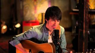 Mo Pitney - Something In The Way She Moves (Official Acoustic Cover) (James Taylor Cover)