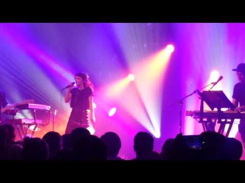 chvrches-make-them-gold-music-hall-of-williamsburg-7-23-15-onefoofighter