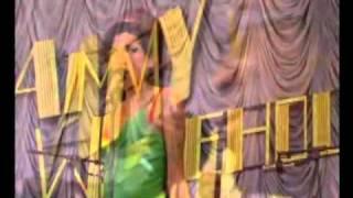 Amy Winehouse - Me And Mr Jones (Live Glastonbury 2007)