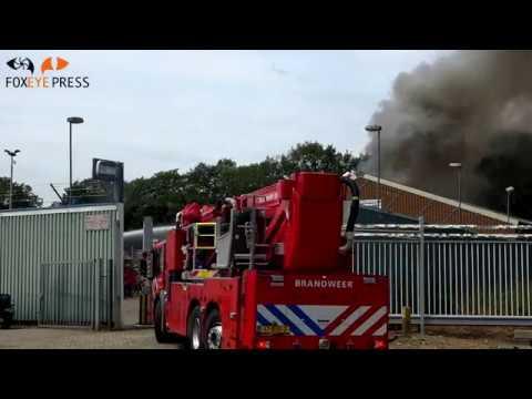Veel rook bij brand metaalhandel in Nieuw Dordrecht