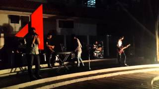 Geeks on Gig feat Badzly Akbar - The River (Good Charlotte Cover)