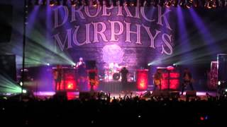 "Dropkick Murphys - ""I'm Shipping Up To Boston"" (live)"
