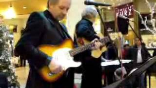 the swiss elvis presley...Jeff Turner , sings in Christmas Shopping Mall LIve Dec, 2008..nice performance