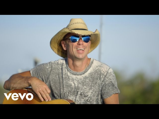 Vídeo de la canción Save it for a rainy day de Kenny Chesney