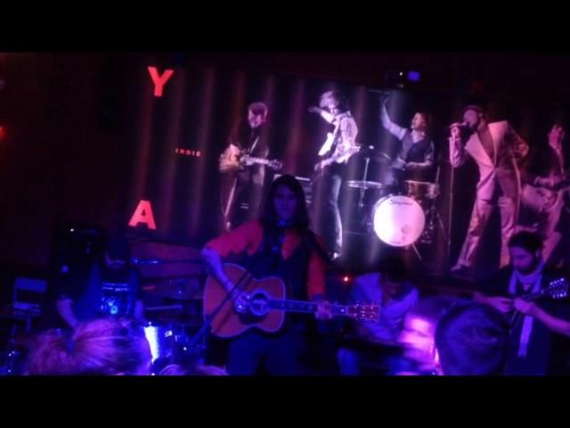 Vídeo de un concierto en la sala Yeah! Indie Club.