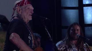 Willie Nelson & Family - Still Not Dead (Live at Farm Aid 2017)