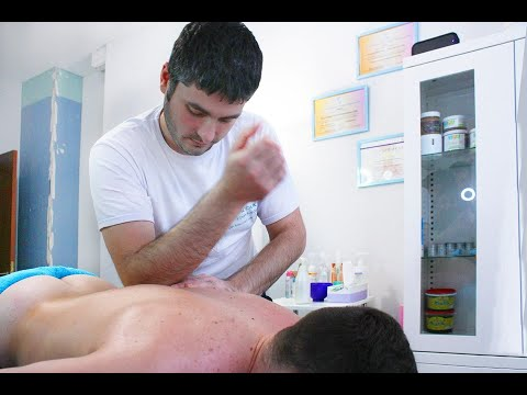 Масаж спини. back massage. photo