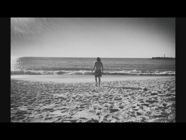 """Videoclip oficial de la canción """"Destino Woodstock"""" de Fantini."""