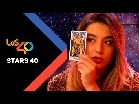 Mimi, la Mujer Bruja, descubre su futuro según las cartas del Tarot