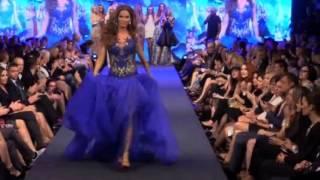 Model falls down twice during Jana Pištejová Spring/Summer 2015 fashion show