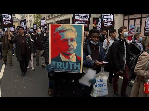 London: Julian Assange kiadatása ellen tüntettek