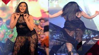 Was Regina Cassandra Wardrobe Malfunction Accidental? | Bollywood News
