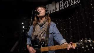 Angel Olsen - Hi-Five (Live on KEXP)