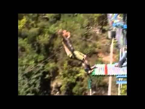 Pathtrekkers Bungee – Second highest point of the world  – 165 Meters.wmv