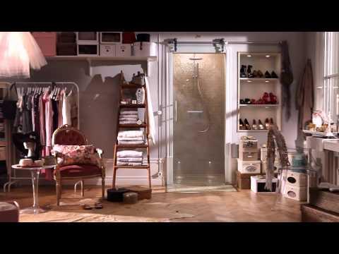Garderobe med bruser, skydedør, glasdør | INR