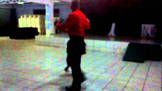 Aninha Dançando valsa