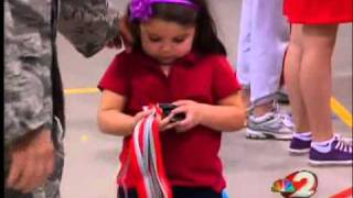 WOW VIDEO - Soldier Surprises and Stuns His Daughter!