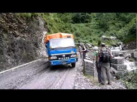 ZAM IN NEPAL:  Truck Incident
