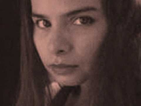 hope-sandoval-the-warm-inventions-charlotte-stanley-ng