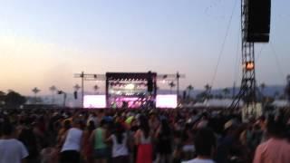 Calvin Harris - Sweet Nothing Live @ Coachella Weekend 2 2014