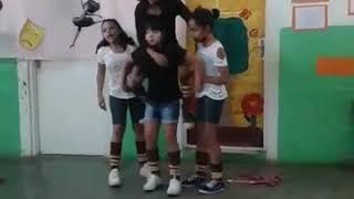 Show de Talentos na escola Jéssica Yukari Asami