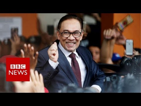 Malaysia's Anwar Ibrahim freed from jail after Mahathir election win - BBC News