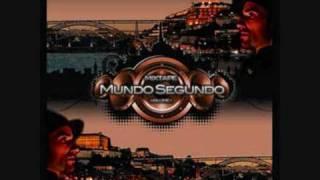 Mundo - ELES ANDAM A CHEIRO