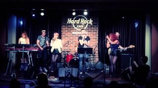 THE BAND @ HARD ROCK CAFE - UPSIDE DOWN (PALOMA FAITH COVER)