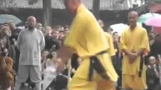 Carl Douglas Kung Fu Fightin official music video with lyrics on video.avi