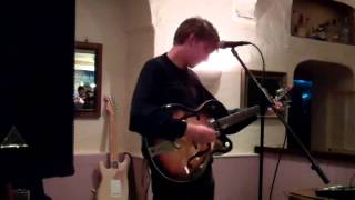 "George Ezra performs ""Did You Hear The Rain"" at Toast - 30th April 2013"
